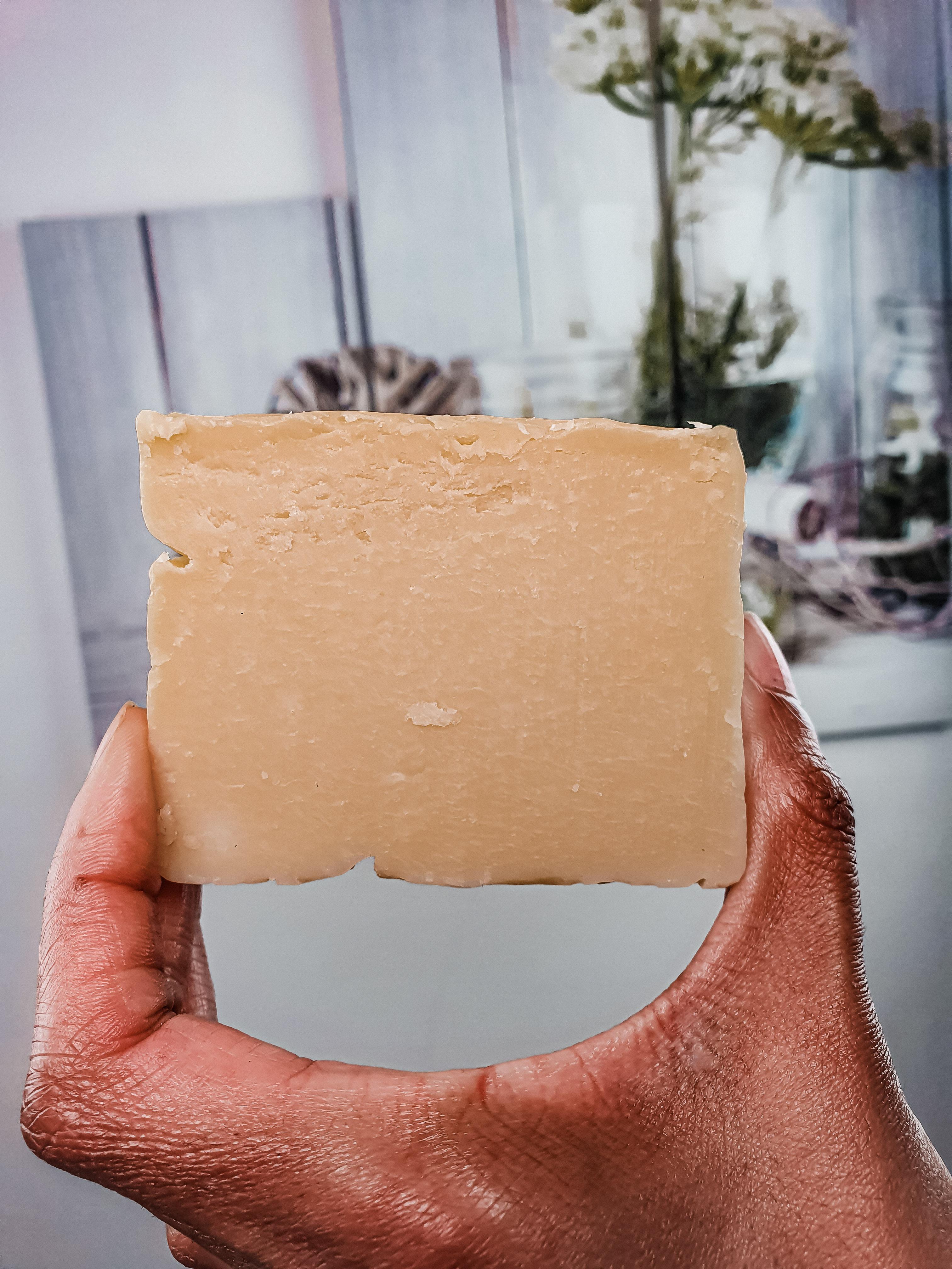 le shampoing solide naturel de la marque AFROANI